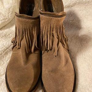 Dingo Fringe Suade Boots